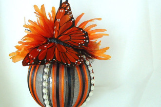 Monarch Butterfly Christmas Wedding Ornament in Birds
