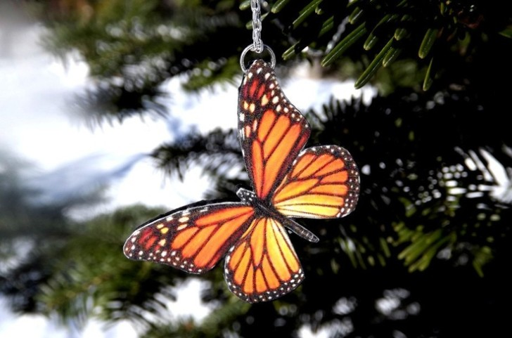 Butterfly , 8 Monarch Butterfly Gift Items : Monarch Butterfly Necklace