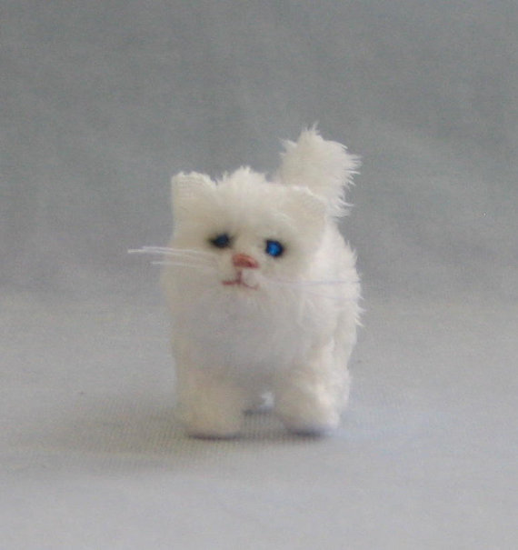 Cat , 5 Fabulous Miniature Persian Cats : Persian Teacup Cat